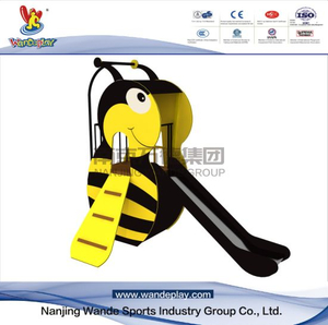 Bee Slide Animal Playset in Amusement Park for Kids