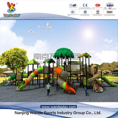 Amusement Tree House Playset in Outdoor Children Park.jpg